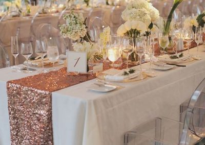 8-alluring-rose-gold-wedding-decor-1