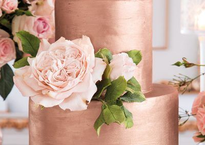 alluring-rose-gold-wedding-decor-13